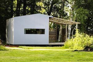 Big Porch Makes Tiny House Liveable