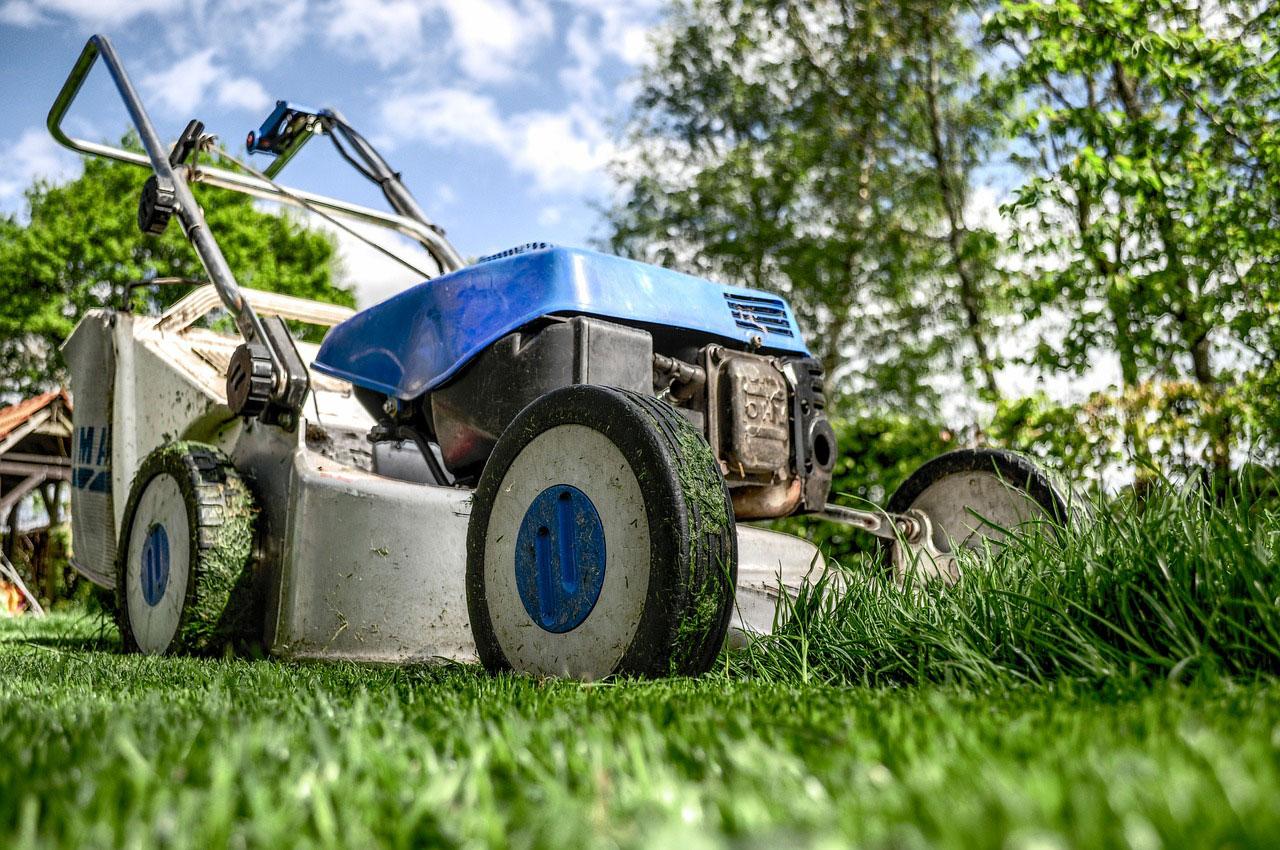 lawnmower.gbm