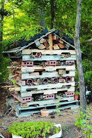 Landscape Planning for Pollinators