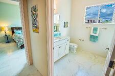 05TusconVH_Bathrooms.0031