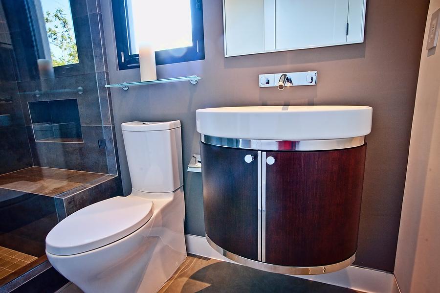 Bathrooms.0023