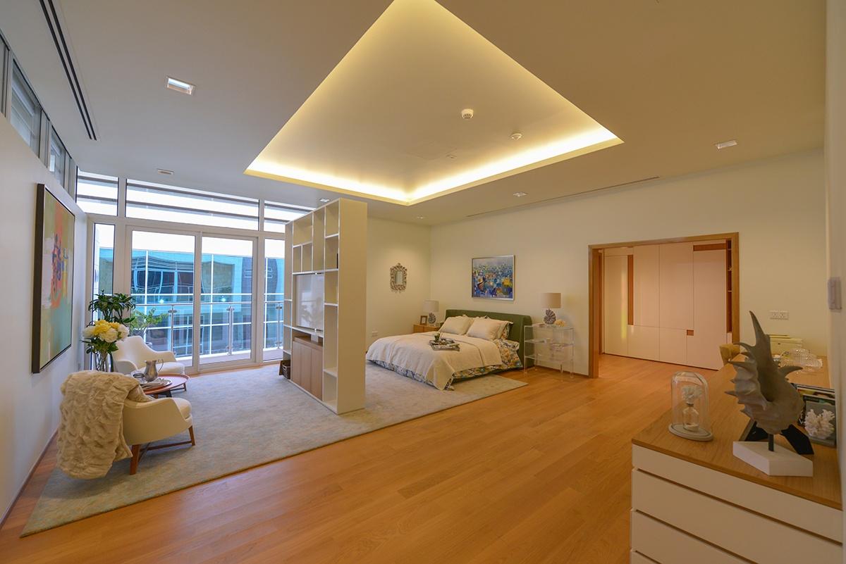 web-15.hoi_photos_facility_master bedroom-light