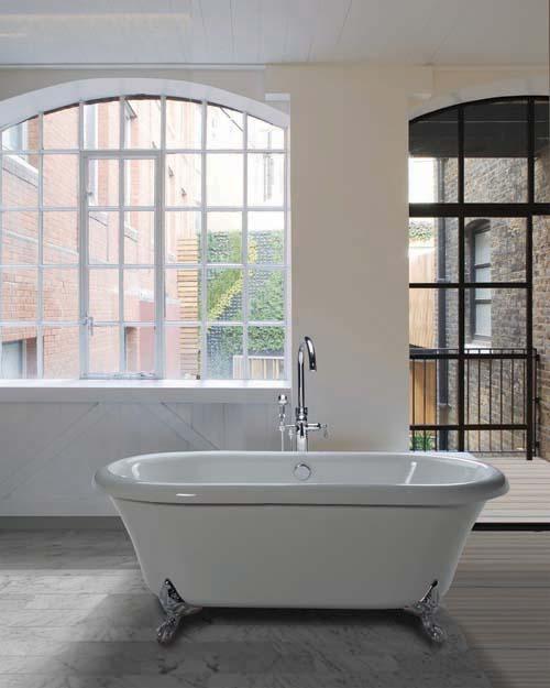 Free-standing tub