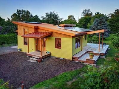 890-1_solar_panels_on_roof