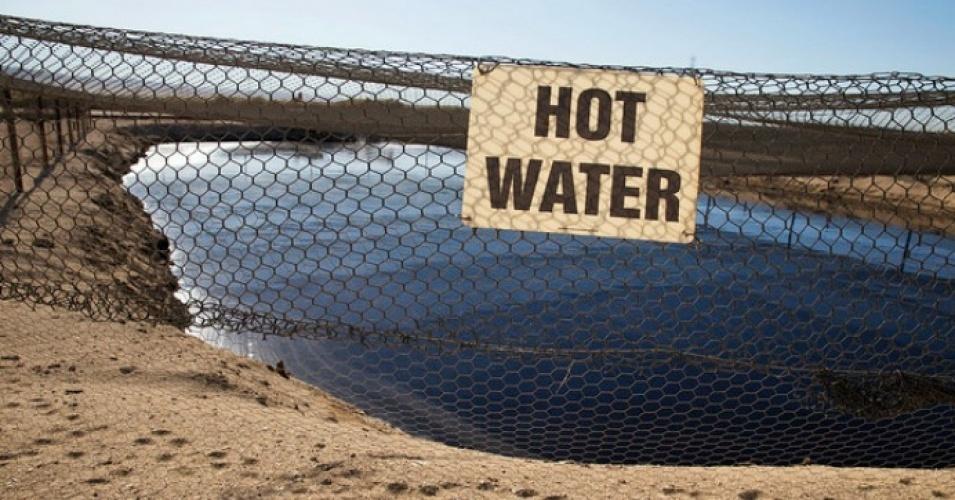 fracking_pit.jpg