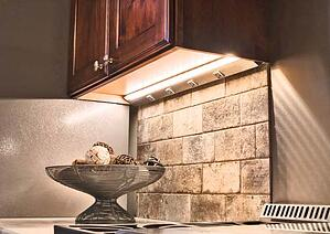 HR-TaskLighting-Lighted-Power-Strip-Kitchen