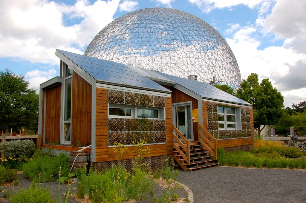 JohnMason.The E'cool'ogical Solar House.jpg