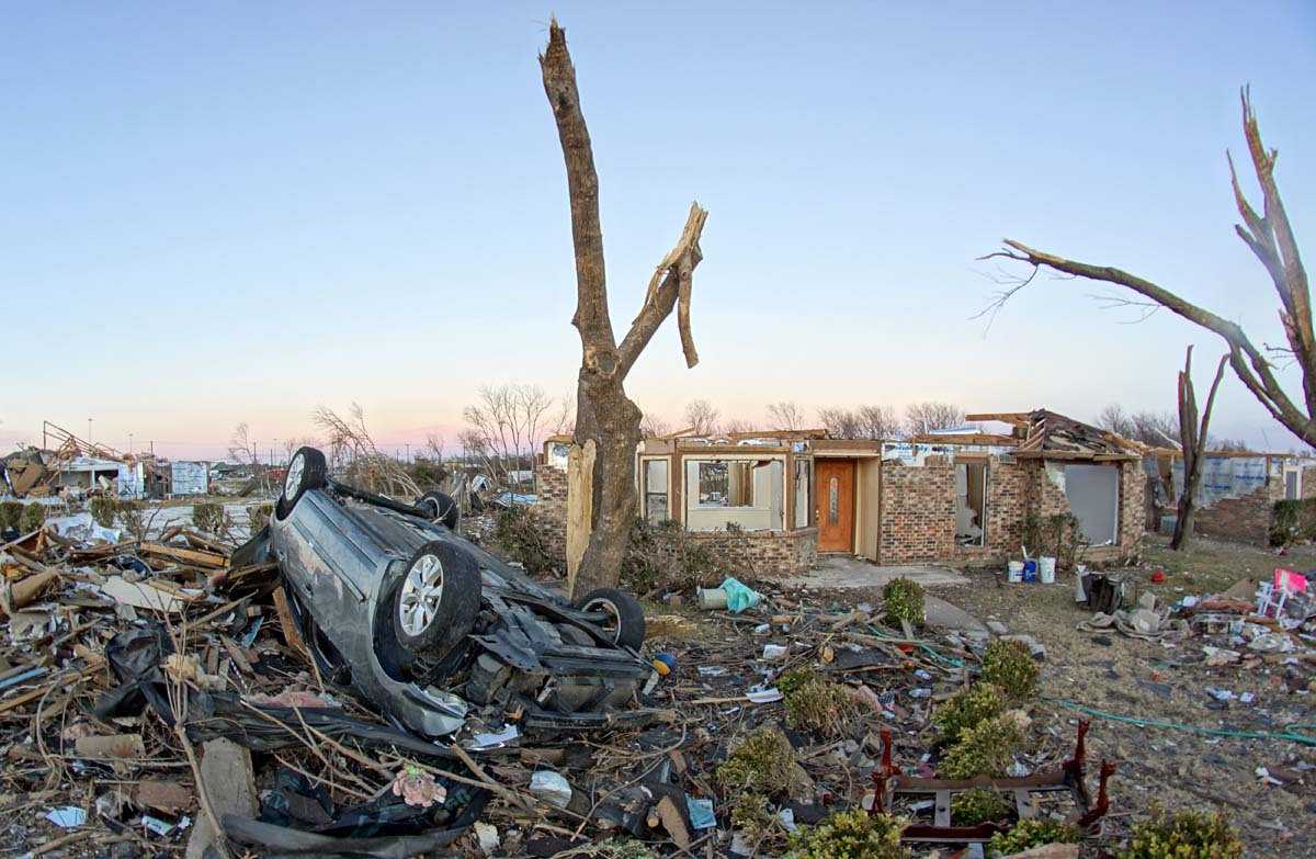 Creative Commons December_26-28_2015_Garland_and_Rowlett,_TX_EF4_Tornado_Damage_captured_on_1-25-2016_by_Volkan_Yuksel_DSC06368