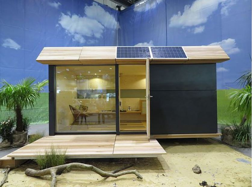 English Tiny Homes Show How to Do It Right: Off Grid and