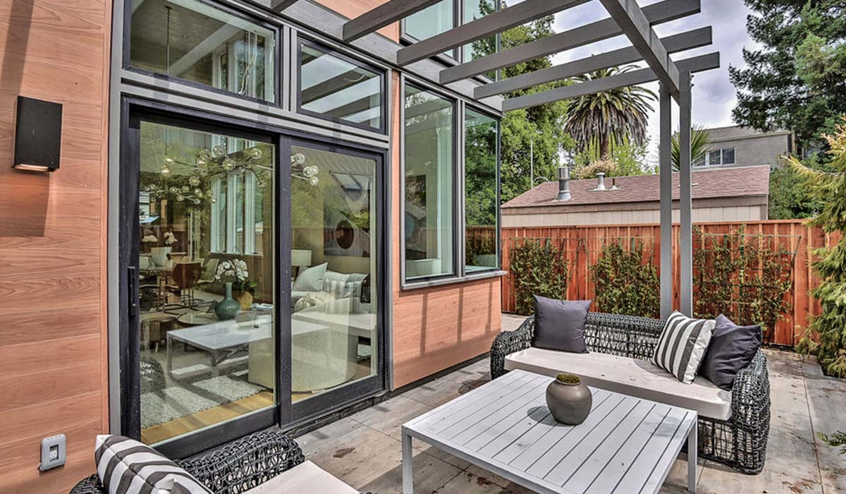 HOTY - Alternative - Palo Alto - Patio-web
