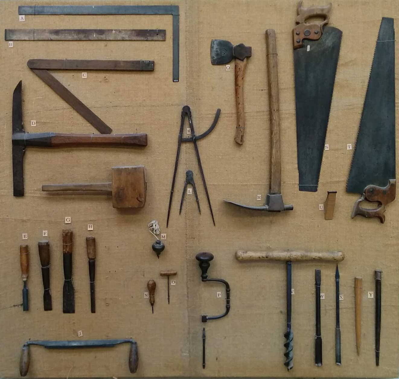These Antique Tools Made Framing a House Without Power Tools a Breeze