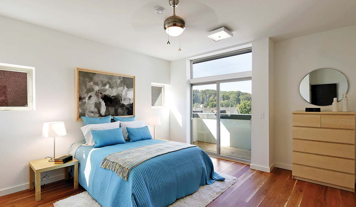 Rainier_Vista_Bedroom.jpg